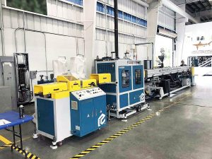 Diamond Mesh Net Pipe Extrusion Machine Line-1024x768
