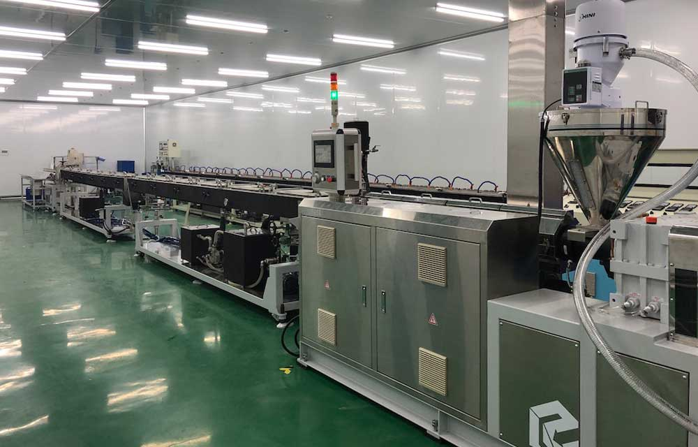 Infusion_tube_machine_line